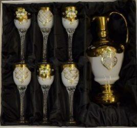 Декоративен комплект за вино с 6 чаши и гарафа